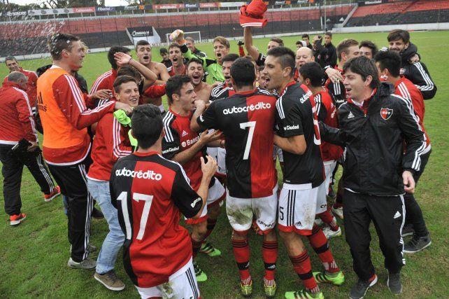 La reserva de Newells venció a River y se consagró campeona en el Coloso