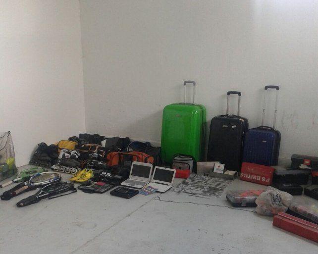 Gran parte de los elementos secuestrados por la banda.