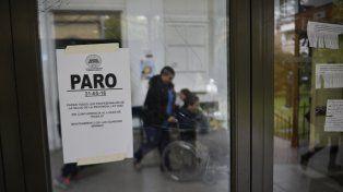 Ayer se cumplió un paro de 24 horas en los hospitales públicos