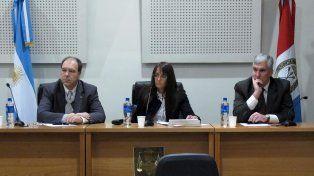 El juez Hernán Postma(izquierda).