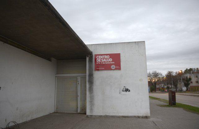 Sin actividad. Un cartel en la puerta de Martínez Estrada 8150 advertía ayer que el lugar permanecería cerrado.