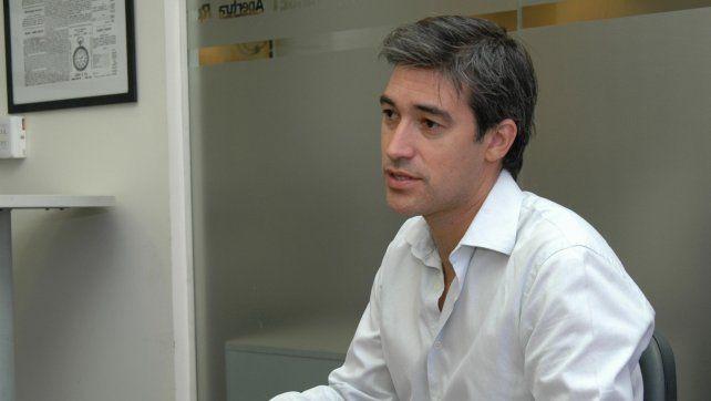 Adrián Pérez ultima detalles del proyecto que el gobierno enviará en los próximos días al Parlamento.