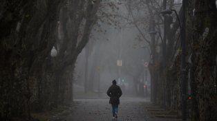 Bancos de niebla o neblinas durante la mañana y el cielo estará parcialmente nublado.