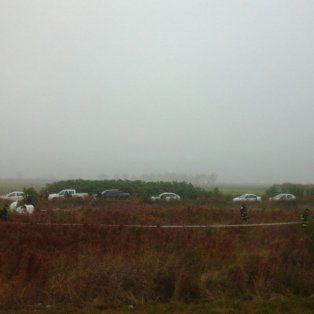 Personal policial y del Equipo Argentino de Antropología Forense trabajaron en la autopista, entre Capitán Bermúdez y Fray Luis Beltrán.