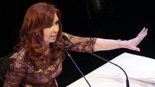 Cristina reapareció con una carta en Twitter con críticas al blanqueo y al proyecto de pago a jubilados