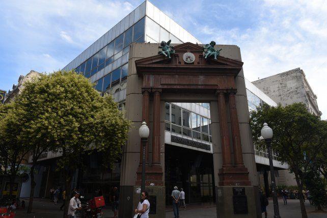 La sede central del Nación en Rosario.