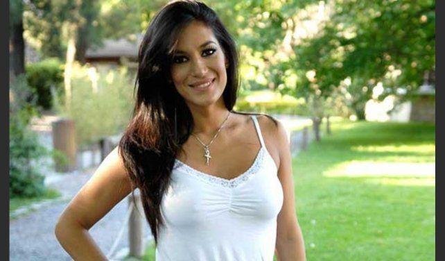 Silvina Escudero se enterneció con la canción dedicada.