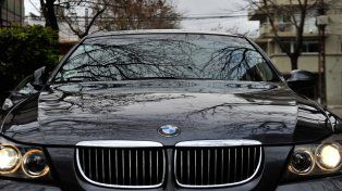 Lujo alemán. La marca germana BMW integra en la lista de vehículos cuyos dueños no pagaron la patente.