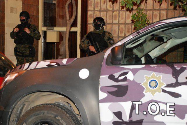 Custodia. El privado de Dorrego y Tucumán allanado por la TOE.