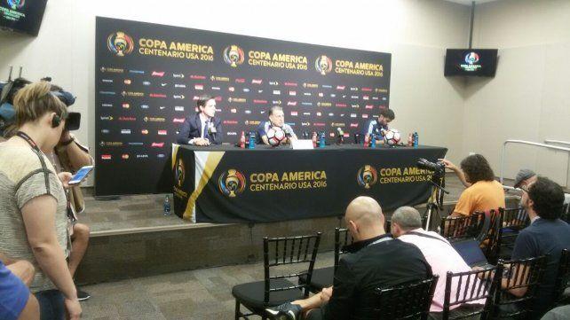 Martino reconoció que será decisión de Messi estar o no en el debut de la Copa ante Chile