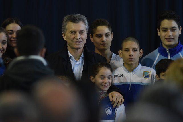 Mauricio Macri durante el anuncio en el club Juventud Unida de Lavallol