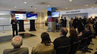 Auditorio. El gobernador Miguel Lifschitz presentó ayer el ambicioso plan de infraestructura en las instalaciones del Aeropuerto Internacional Islas Malvinas.