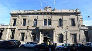 La nena estuvo internada dos días en el Hospital Español por las lesiones sufridas.