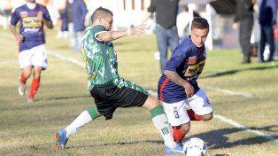 Una buena. El pibe Colono debutó como titular en los charrúas.