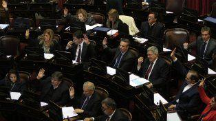 El Senado nacional aprobó hoy por unanimidad el proyecto de reintegro del IVA a jubilados y a beneficiarios de planes sociales.