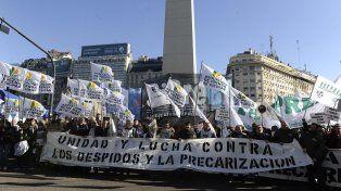 La multitudinaria manifestación partió del Obelisco porteño.