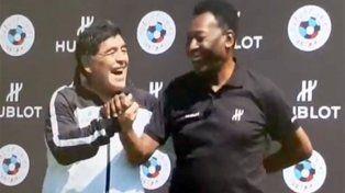 Pelé le  preguntó a Maradona por Messi
