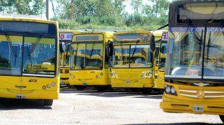 viejos conocidos. La flota de colectivos amarillos de Rosario Bus buscará seguir en el nuevo sistema.