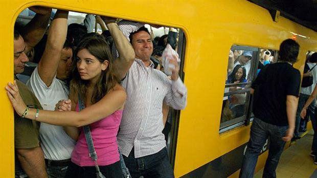 polémica. Macri no quiere en el subte vagones rosas que muchas defienden.