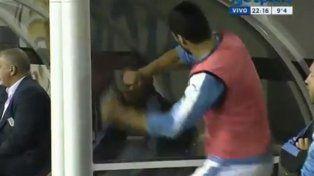 La reacción de Luis Suárez con el Maestro Tabárez cuando no quiso ponerlo en el segundo tiempo