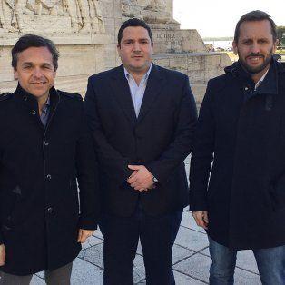 Los concejales Digo Giuliano, Alejandro Roselló y Martín Rosúa, los autores del proyecto para crear una Oficina Anticorrupción en Rosario.