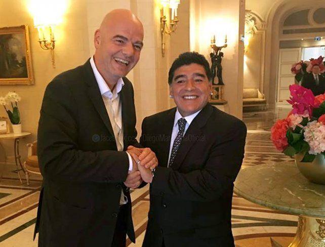 Maradona aseguró que Grondona le enseñó a robar y comprar votos a Blatter en la Fifa
