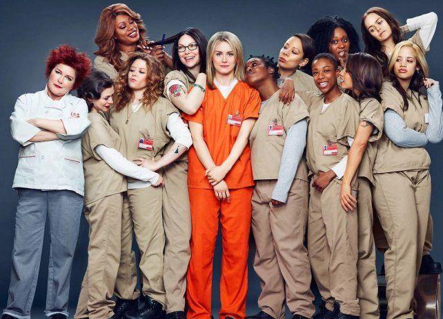 Diversidad. La protagonista Piper Chapman (de naranja) junto al grupo de reclusas.