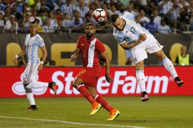 El cabezazo de Otamendi para el 1-0 de Argentina ante Panamá.
