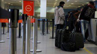 Preocupación. La decisión de ATE generó malestar entre los pasajeros de la aeroestación rosarina.