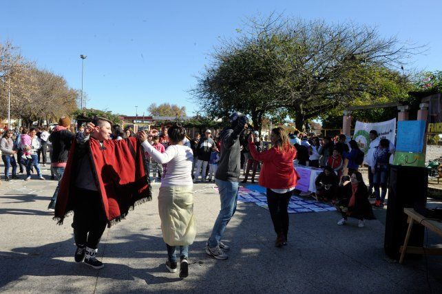 En movimiento. El baile fue uno de los recursos que usaron los chicos para expresarse.