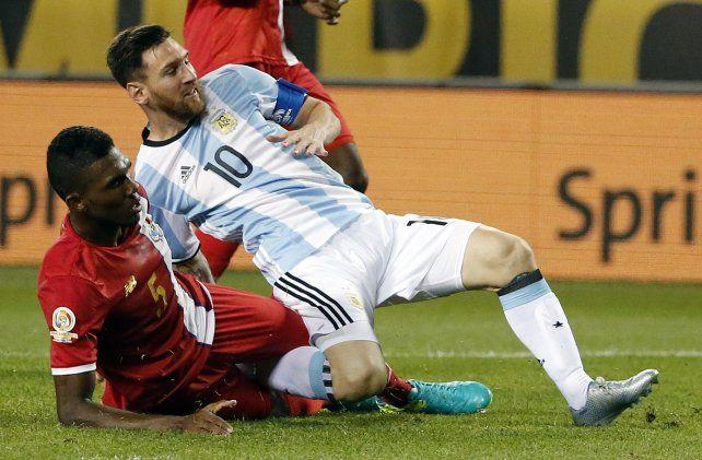 Messi supera la marca de Roderick Miller y anota el tercer tanto de Argentina