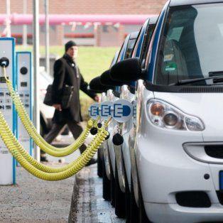 Los autos eléctricos se ubicarían en distintos puntos de la ciudad.
