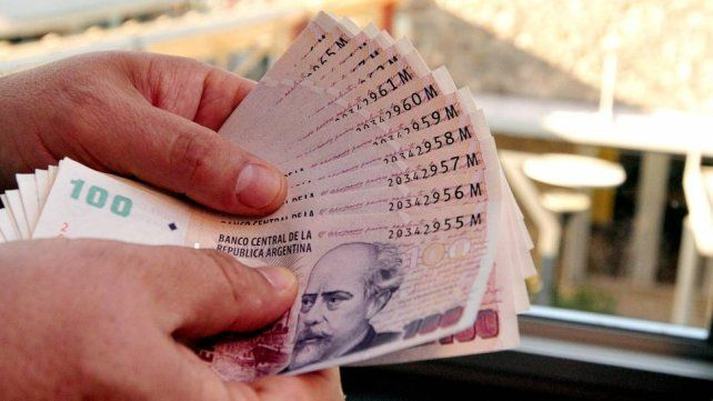 El medio aguinaldo de junio deberá pagar impuesto a las Ganancias.