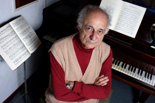 El músico rosarino asegura que no existe otro compositor como Clementi que haya desplegado un desarrollo tan enorme a través de sus 150 sonatas.