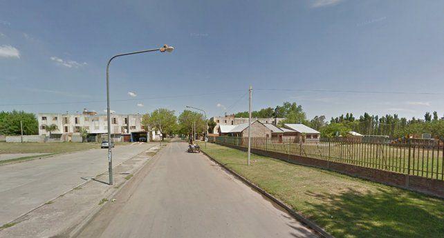 El lugar. A la derecha el Polideportivo donde estaba la víctima antes del ataque.