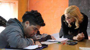 Compromiso. La diputada Cesira Arcando destacó la labor de la Nación.