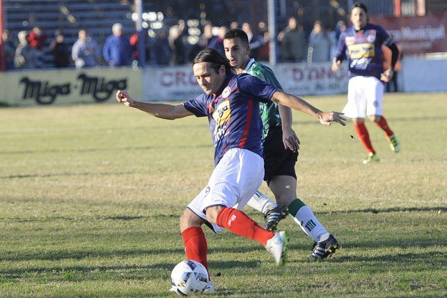 Despedida. Leone jugó el último partido con el club que lo lanzó al profesionalismo.