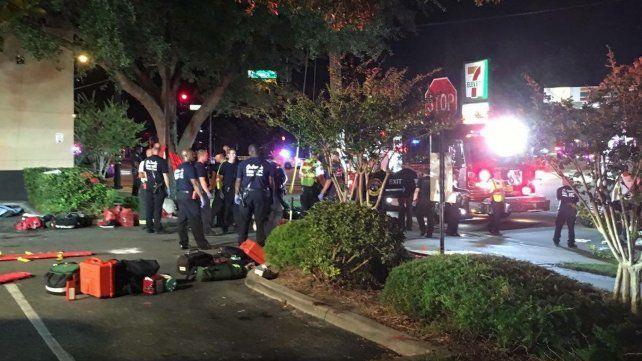 La Policía de Orlando abatió al responsable de los disparos y ahora intenta determinar su identidad.