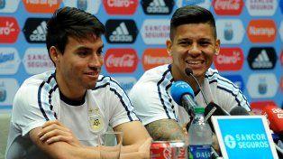 Rojo dio una conferencia de prensa junto a Gaitán.