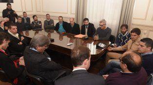 El ministro de Seguridad Maximiliano Pullaro se reunió con los candidatos de Newells.