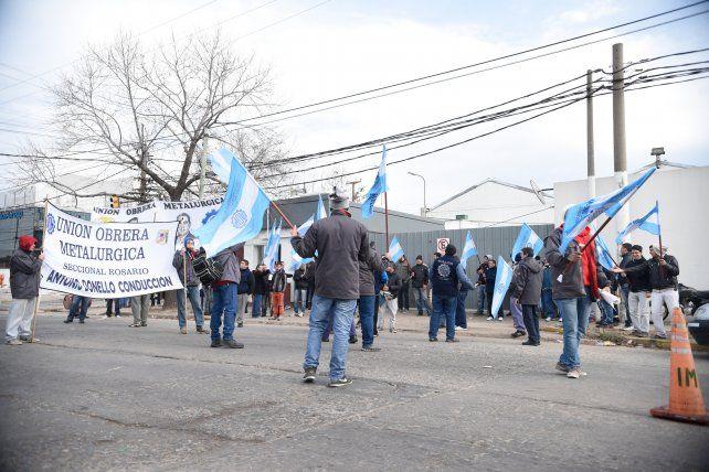 Protesta. Marcha de la UOM en Laminfer. También hubo en Acindar.