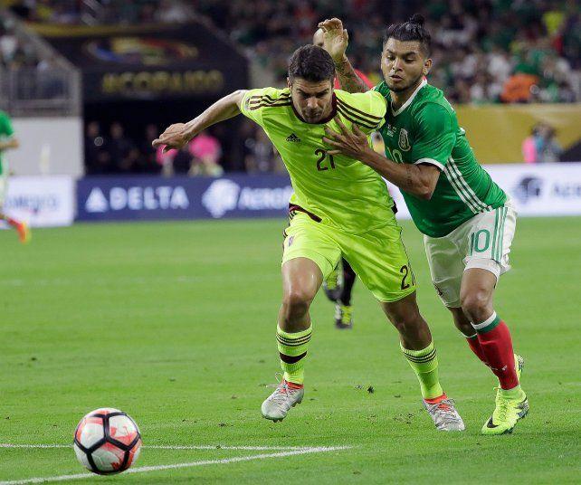 Venezuela empató con México por 1-1 y se perfila como rival de Argentina.