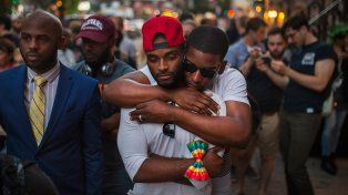 Duelo. Dolor en Nueva York. La comunidad gay fue acompañada por la gran mayoría de la sociedad estadounidense.