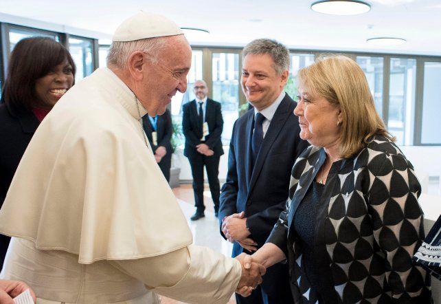 En Santa Marta. El Papa y la canciller dialogaron ayer en la Santa Sede.