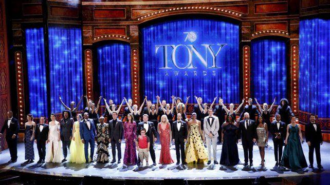 Homenaje a las víctimas de la masacre de Orlando en los Premios Tony en Broadway
