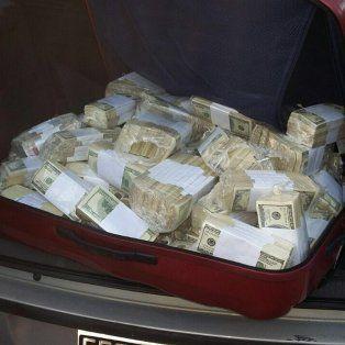 con maquinas y a mano terminaron de contar el dinero que le encontraron a jose lopez