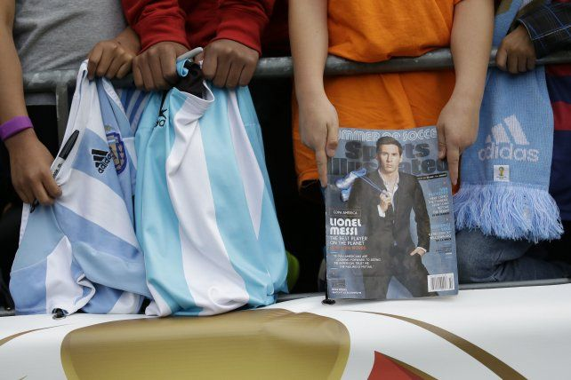 Muchos asistentes al estadio de Seattle esperan ver a Messi en cancha.
