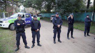 Los policías coparon ayer el monasterio ubicado en General Rodríguez.