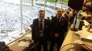 Juntos. Russo y Belloso observaron anoche el partido en la zona VIP.