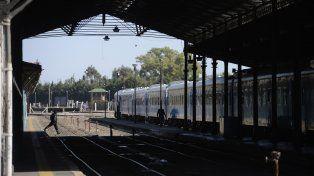 El servicio de trenes desde Retiro llegará hasta la estación Rosario Norte y sumará nuevas paradas
